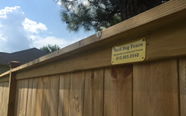 wood table top fence contractor in Nashville